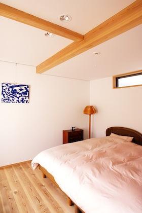 2階の寝室