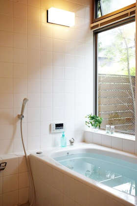 植栽のある浴室